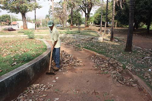 Tribunal de Contas suspende licitação da limpeza em Bariri
