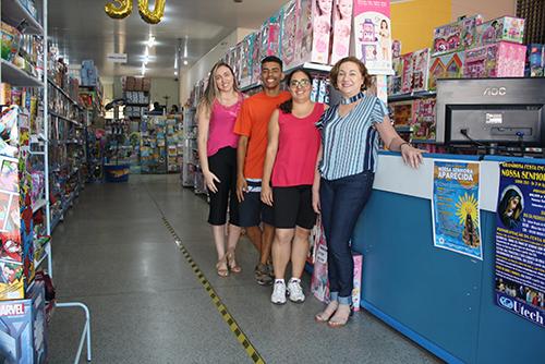 Lojistas apostam em variedades e promoções no Dia da Criança