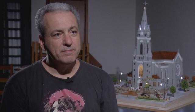 Morador de Jaú reproduz nos mínimos detalhes Igreja Matriz