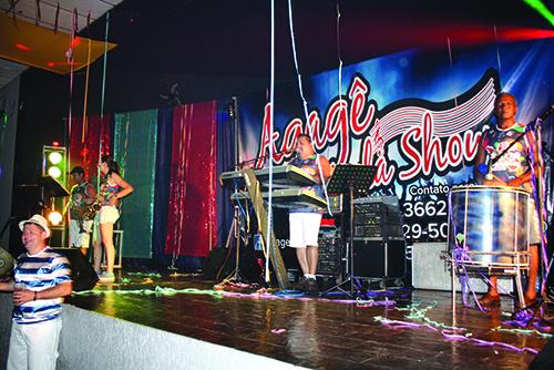 Com carnaval de rua e salão, Abre Alas ocorre no dia 15