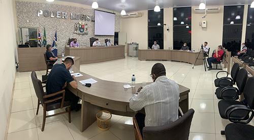 Sessão de Câmara é marcada por 'ressaca' pós-eleitoral