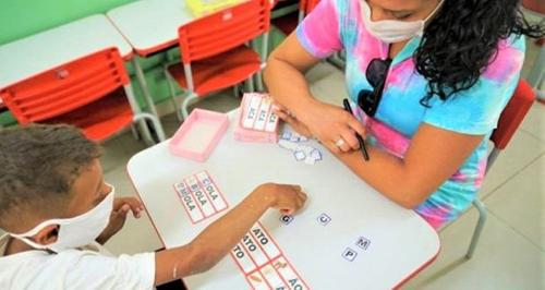 No retorno às aulas, escolas devem oferecer 1/3 de aulas presenciais
