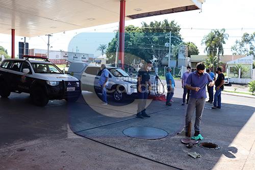 Polícia Civil e ANP fiscalizam posto em Bariri