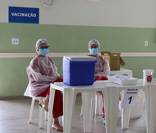 Covid-19: vacinação a partir dos 53 anos começa na segunda-feira