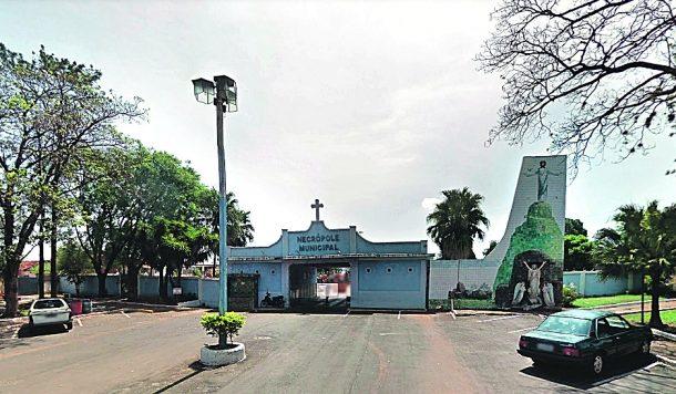 Projeto autoriza o Rotary Clube a construir memorial na praça do cemitério