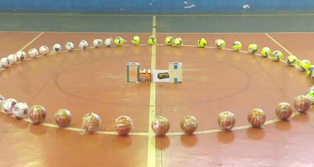 Setor de Esportes fornece material esportivo às comunidades