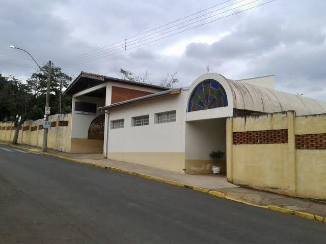 BARIRI: Caso de Covid leva à suspensão de aulas na escola Julieta