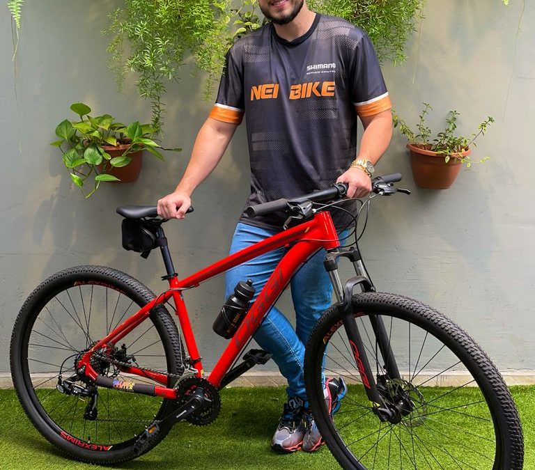 Gabriel Ferrari sorteia bicicleta OGGI no Instagram