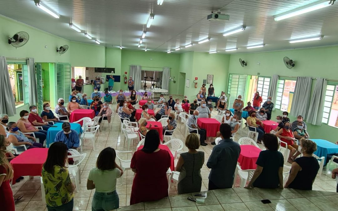 Itaju celebra Dia do Idoso com café da manhã para integrantes do CCI